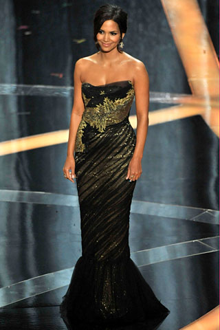 Halle Berry - Marchesa